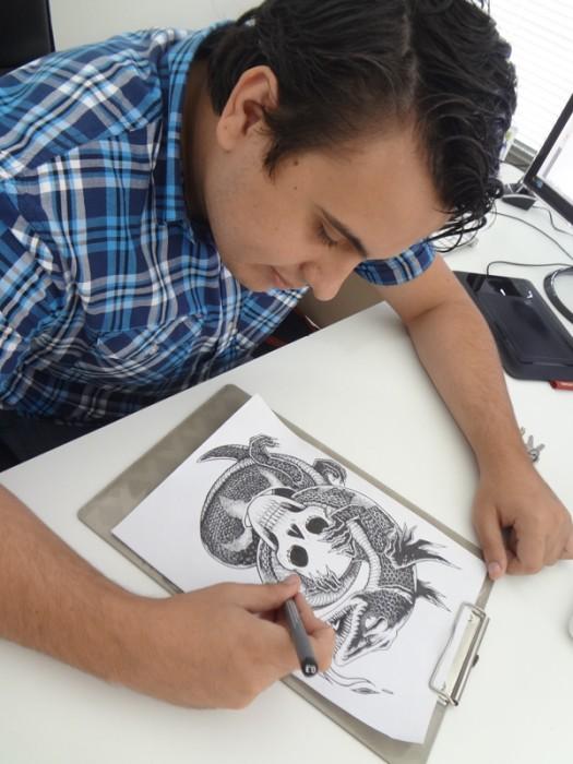 Luís Brüeh, criador das ilustrações.