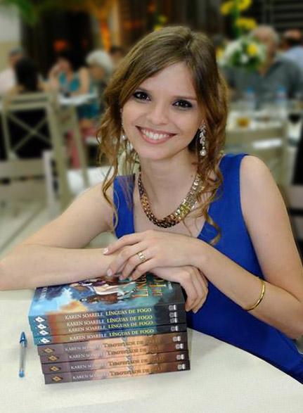 Karen Soarele, autora dos livros.
